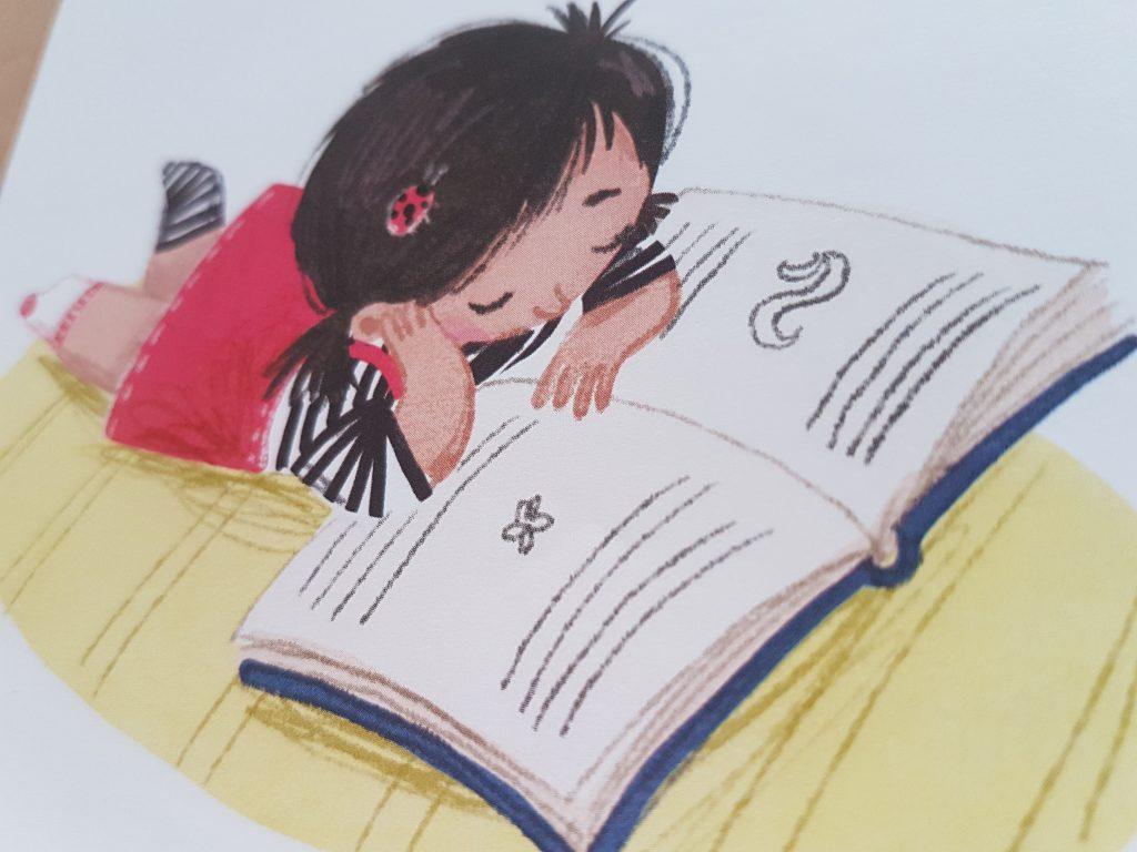 Bella liest aus dem Kinderbuch Psst! Ich lese